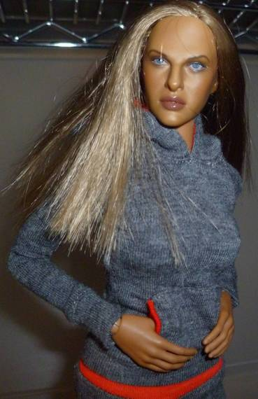 Hot Toys TrueType Females: Caucasian & Cuban-American - Updated 9/4/13! 30c26c96b7e465c40e84fe4982657e41373eed44_r