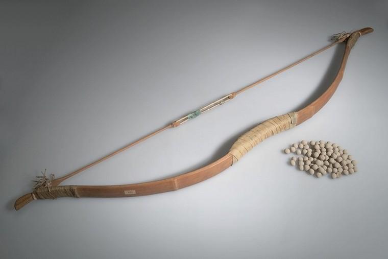 Сделать лук из палки